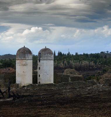 Dois silos