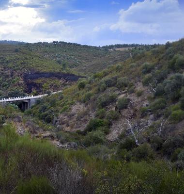 Ponte na EM 526