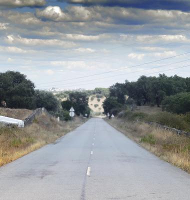 Estrada de Monte Claro