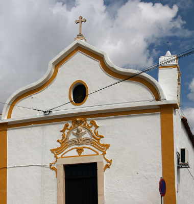 Pequena igreja em Casa Branca